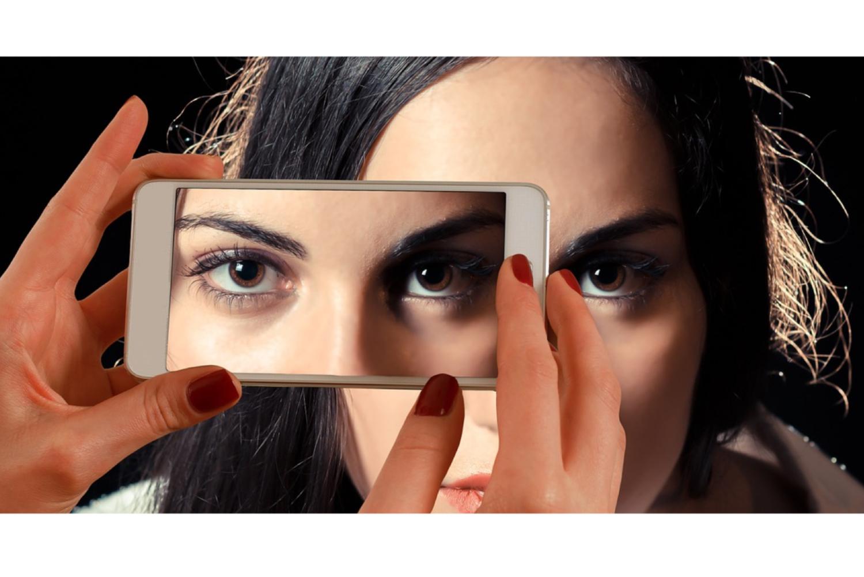 Smartphoneaufnahme einer Frau