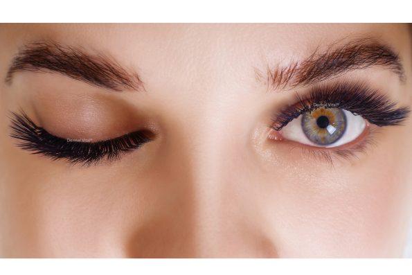 Augen mit Volume Lashes mit L Curl Wimpernapplikation