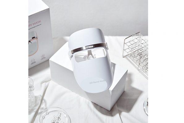 LED Dermal Maske mit Karton